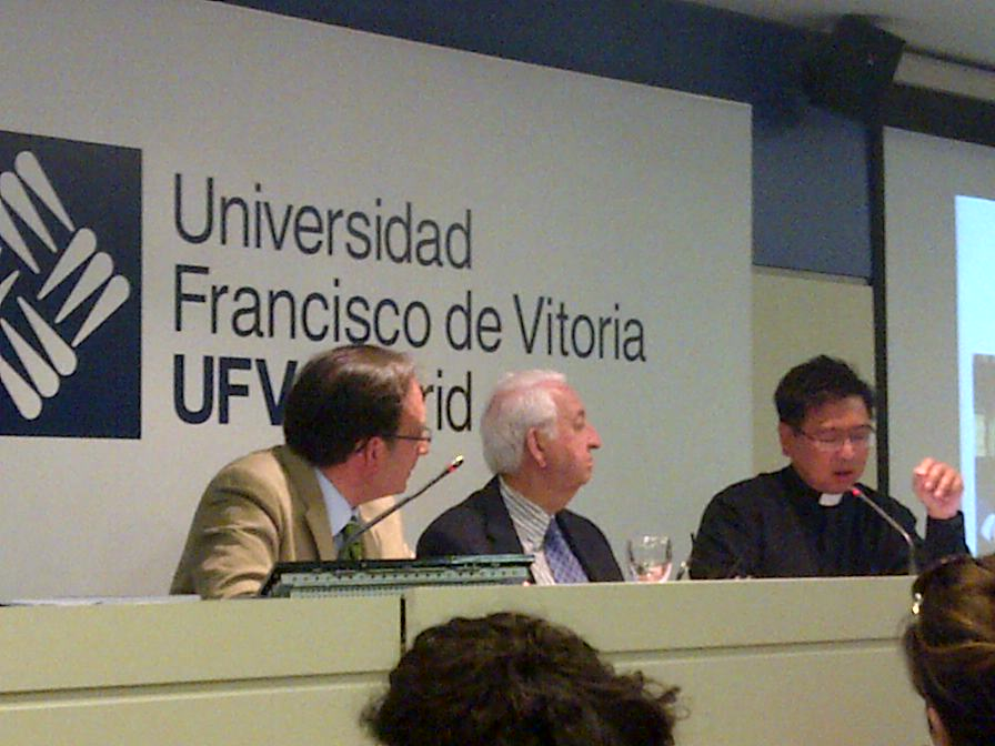 Chair Fellow Speaks on Person-Centered Health Care at Spanish University